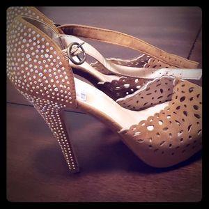 Cute high heal shoes